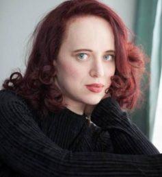 Тара Изабелла Бертон