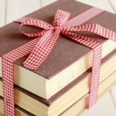 Как красиво подписать книгу в подарок?